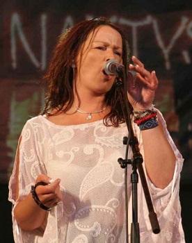 Dainininkė Arina savaitgalį prie bliuzasriubės raikys pačios keptą duoną