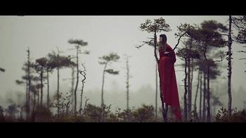 Jurgą Šeduikytę vaizdo klipo filmavime lydėjo keisti ženklai ir vilkai