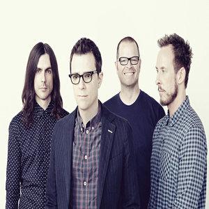 """Grupė """"Weezer"""" pristatė naujausio albumo detales bei singlą """"King of the World"""""""