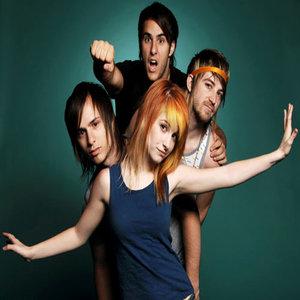 """Grupė """"Paramore"""" patvirtino: jie šiuo metu įrašinėja naująjį albumą"""