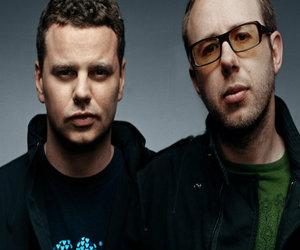 """Elektronikos gigantai """"The Chemical Brothers"""" pristatė naują vaizdo klipą kūriniui """"Wide Open"""""""