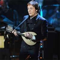 Labdaringame koncerte - P. McCartney ir R. Starr'o duetas (+ video)