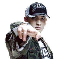 Komikas S. B. Cohen'as viešai pažemino Eminem'ą (+ video)