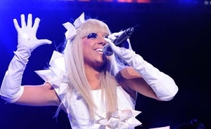 5 metus veikiančio skaitmeninio britų singlų topo lyderė - Lady GaGa (+ Top 10)