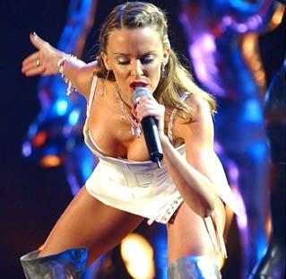 K.Minogue - labiausiai gerbiama garsenybė Jungtinėje Karalystėje