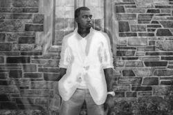 Kanye West'as pristato kūrinio