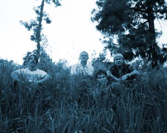 """Pristatytas naujausio """"Red Hot Chilli Peppers"""" singlo """"Look Around"""" vaizdo klipas (+ video)"""