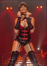 Dėl grėsmės saugumui Rihanna atšaukė savo koncertą Indonezijoje