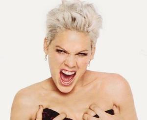 Dainininkė Pink sugrįžta su nauju singlu