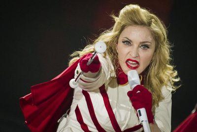"""Praėjus 22-iems metams po dainos """"Vogue"""" pasirodymo Madonna kaltinama muzikos plagijavimu"""