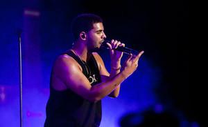 Atlikėjas Drake'as pagaliau baigė vidurinę mokyklą