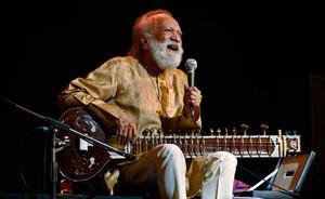 R.I.P. Muzikos pasaulis neteko legendinio Indijos sitaro meistro Ravi Shankar