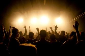 """""""Žalgirio"""" arenos amfiteatras vienai nakčiai virs milžinišku klubu"""