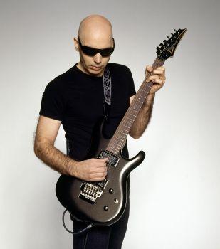 Gitaristas Joe Satriani išleido naują albumą, kurį pristatys koncerte Vilniuje (+ video)
