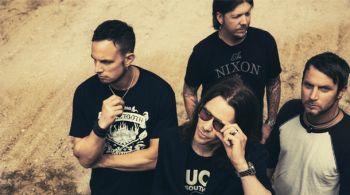 """""""Alter Bridge"""" grįžta su debiutiniu ketvirtojo studijinio albumo singlu """"Addicted To Pain"""" (+ audio)"""