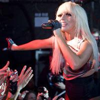 Britų singlų tope antrą savaitę pirma išliko Lady Gaga (+ foto galerija)