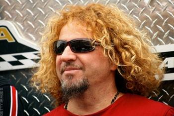 Vokalistas Sammy Hagar'as vėl prisiminė brolius Van Halen'us