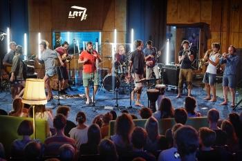 """""""LRT Opus Ore"""" pristato valandos trukmės grupės """"Ministry of Echology"""" koncertą radijo studijoje"""