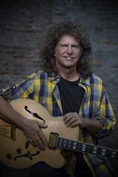 Džiazo gitaros dievas Patas Metheny pirmą kartą koncertuos Vilniuje