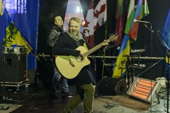 """""""Biplan"""" dainomis sušildė Maidaną Kijeve"""