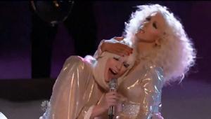 """Dar vienas garsenybių duetas: """"The Voice"""" finale drauge uždainavo Lady GaGa ir Christina Aguilera (+ video)"""
