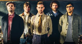 Antrą savaitę britų albumų topo 1-oje vietoje įsitaisę