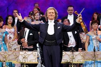 """""""Siemens"""" arenoje rytoj koncertuosiantis valso karalius Andr� Rieu iš žiūrovų prašo punktualumo"""