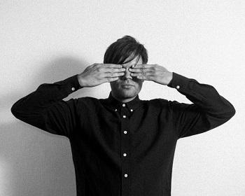 Iš elektroninės muzikos prodiuserio roko žvaigžde tapęs Trentem�ller su grupe koncertuos Vilniuje