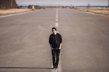 """Vidas Bareikis pristato naujausios dainos """"Raudoni taškai"""" vaizdo klipą (+ video)"""