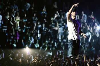 Enrique Iglesias artėja prie Lietuvos: pradėjo koncertų turą Europoje