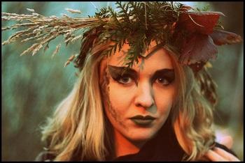 Jovita Vaicekauskaitė pristato savo pirmąjį singlą, skirtą jos miško žmogui (+ audio)